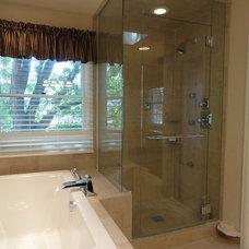 Traditional Bathroom mer03