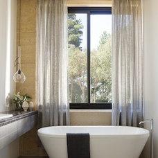 Contemporary Bathroom by Robson Rak Architects Pty Ltd
