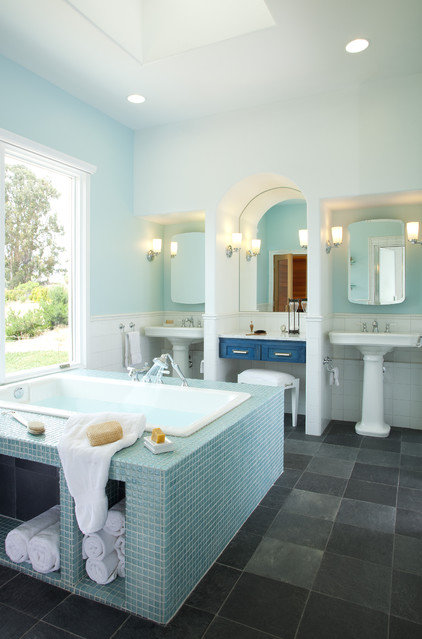 Contemporary Bathroom by Leonard Grant Architecture