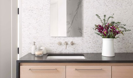 10 Minimalist Choices That Will Bring Calm to Your Bathroom