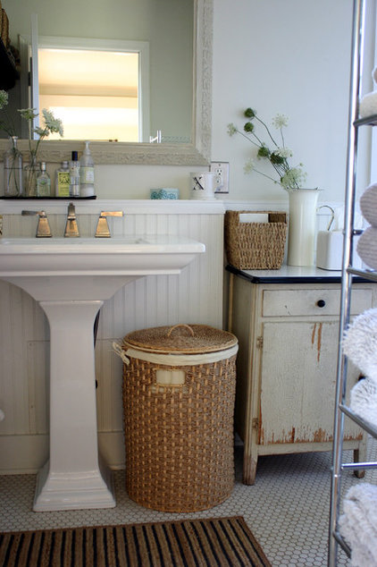 farmhouse bathroom by Rebekah Zaveloff | KitchenLab
