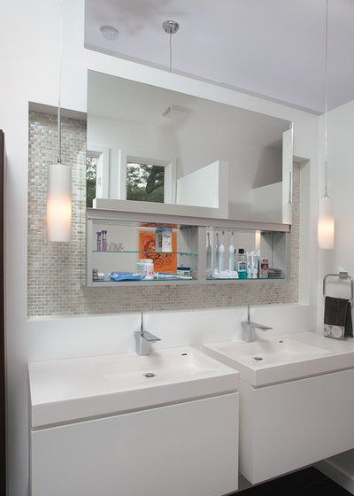 Midcentury Bathroom by Burns Century Interior Design