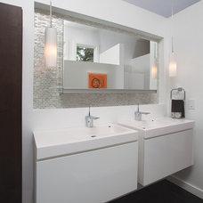 Midcentury Bathroom by Burns Century Interior Design