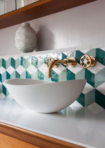 Midcentury Bathroom by Claudia Dorsch Interior Design Ltd