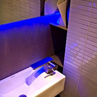 Foto di una stanza da bagno moderna