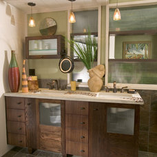 Midcentury Bathroom by Kathleen Donohue, Neil Kelly Co.