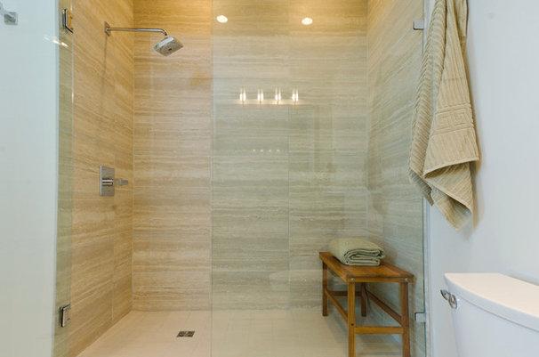 Midcentury Bathroom by Denise Mitchell Interiors