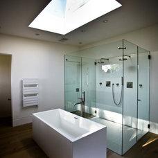 Midcentury Bathroom by Nest Architectural Design, Inc.