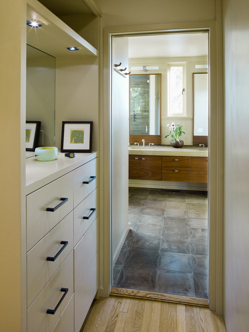 Master bathrooms with closets home design ideas pictures for Master bathroom designs with walk in closets