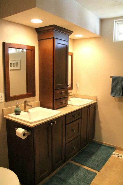 Bathroom by Hatchett Design/Remodel