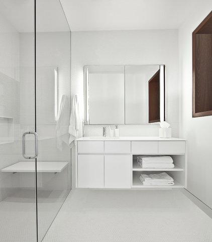 Industrial Bathroom by Vinci | Hamp Architects