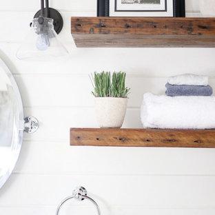 Foto de cuarto de baño con ducha, de estilo de casa de campo, pequeño, con puertas de armario grises, baldosas y/o azulejos grises, baldosas y/o azulejos blancas y negros, paredes blancas, suelo de mármol, lavabo bajoencimera, encimera de mármol, armarios estilo shaker, ducha empotrada y baldosas y/o azulejos en mosaico