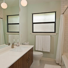 Modern Bathroom by Soledad Builders, LLC