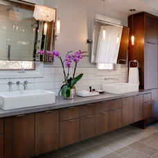 Modern Bathroom by Visible Proof