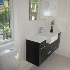 Modern Bathroom by B + O design studio, pllc