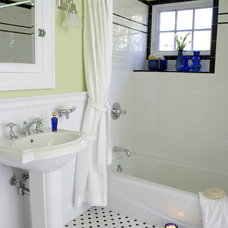 Traditional Bathroom by Anne's Home, Inc