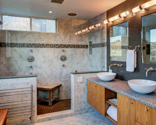 Foto e idee per bagni bagno con top in vetro riciclato - Piastrelle grigie bagno ...