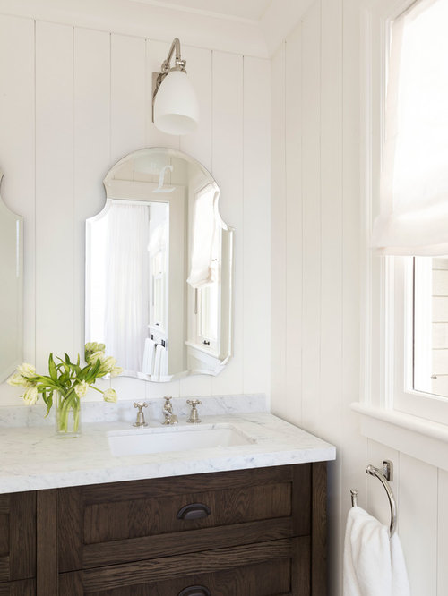 Best Farmhouse Bathroom with Raised-Panel Cabinets Design Ideas & Remodel Pictures   Houzz