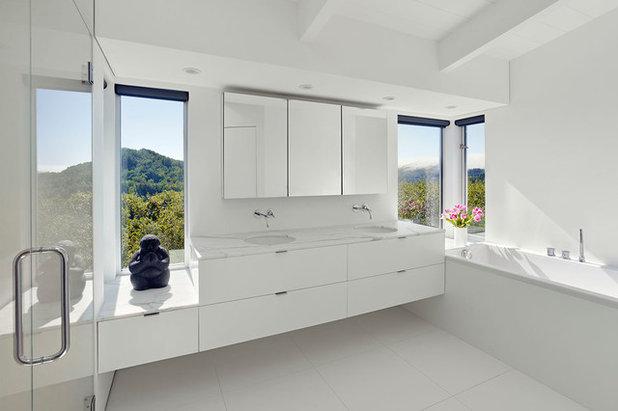 Moderno Stanza da Bagno by Edmonds + Lee Architects