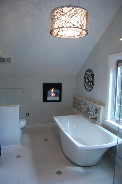 Traditional Bathroom by Solstice Kitchen and Bath
