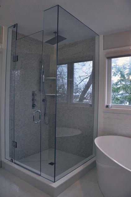 Contemporary Bathroom by Woodsmith Construction Inc
