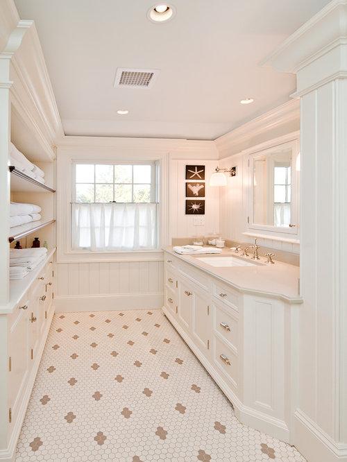 rustikale badezimmer mit waschtischkonsole ideen design. Black Bedroom Furniture Sets. Home Design Ideas