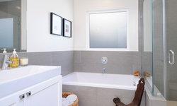 Minimalist Bath with Vintage Earthy Elements