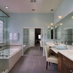 contemporary bathroom by Ellinor Ellefson, Elle Interiors