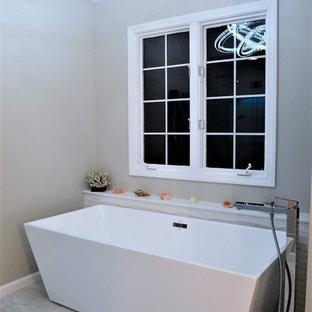 Minimalist Master Bath