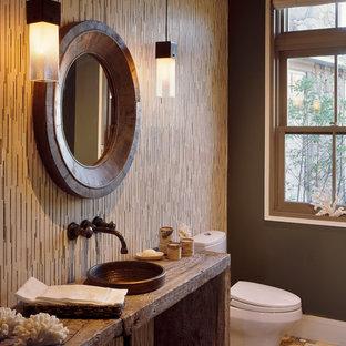 Inspiration för ett vintage badrum, med ett fristående handfat och bruna väggar