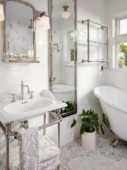 Salle de bain avec un plan de toilette en cuivre et un for Petite salle de bain avec toilette