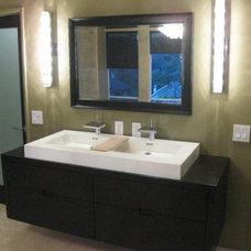 Modern Bathroom by Dekofino Bathroom and Kitchen