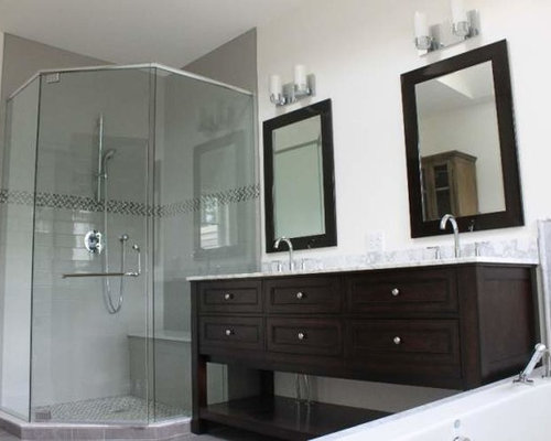 example of a midsized classic master gray tile bathroom design in toronto with an