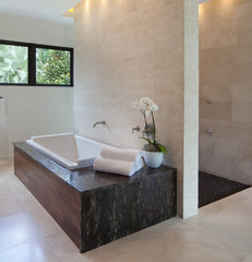 modern bathroom by Phil Kean Designs