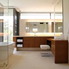 Modern Bathroom by MLK Studio Inc.