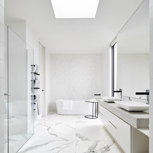 Inspiration for a mid-sized modern master marble floor bathroom remodel in Melbourne with flat