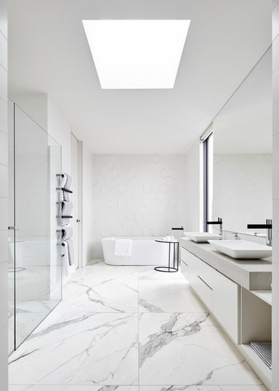 Modern Bathroom by Glenvill Homes