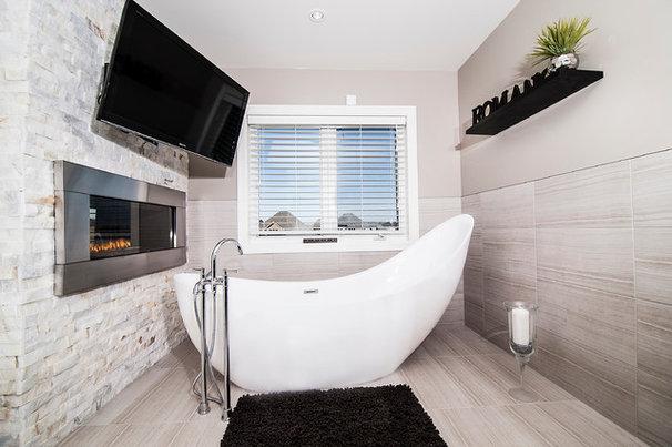 Contemporary Bathroom by DRT Custom Homes & Renovations Inc.