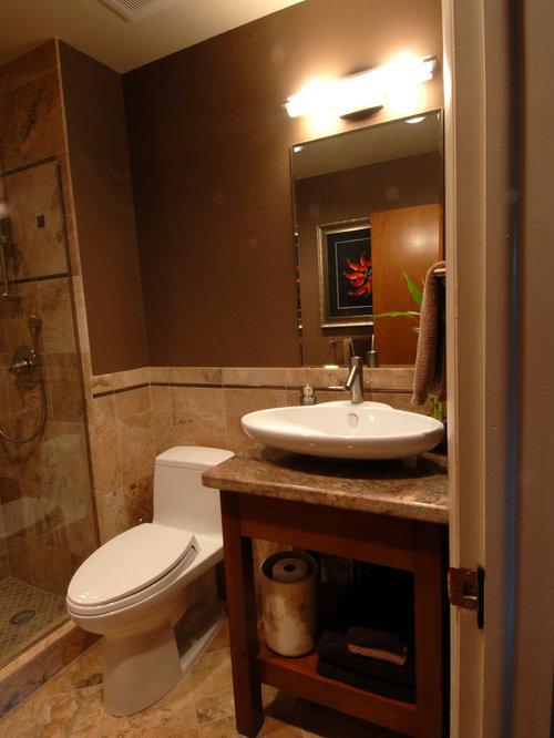 Salle de bain asiatique avec un placard sans porte - Porte de placard salle de bain ...