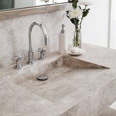 Modern Bathroom by VIF Studio
