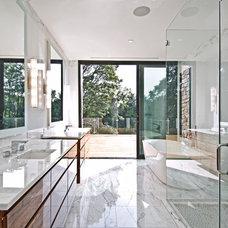 Modern Bathroom by Plum Builders, Inc.