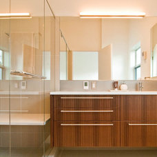 modern bathroom by BUILD LLC