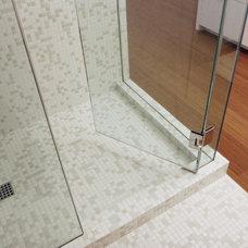 Modern Bathroom by Carson Poetzl, Inc.