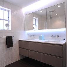 Modern Bathroom by DMC San Francisco