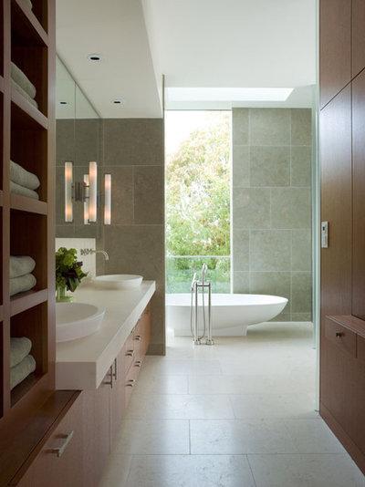 Rustic Bathroom by Sutton Suzuki Architects
