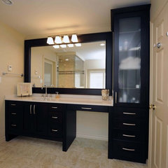 modern bathroom by Shelley Pelc