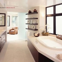 modern bathroom by Shubin + Donaldson Architects, Inc.