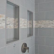 Modern Bathroom by Innovative Construction Inc.