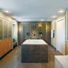 Modern Bathroom by Jonathan Parks Architect