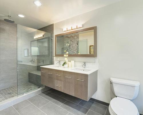 salle d 39 eau moderne avec des portes de placard en bois clair photos et id es d co de salles d 39 eau. Black Bedroom Furniture Sets. Home Design Ideas